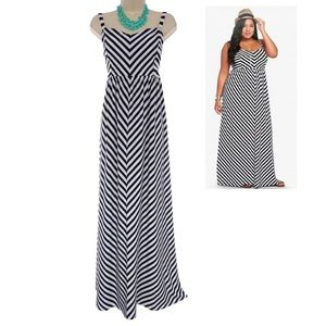1X 14 16▪️TORRID B&W STRIPED MAXI DRESS Plus Size
